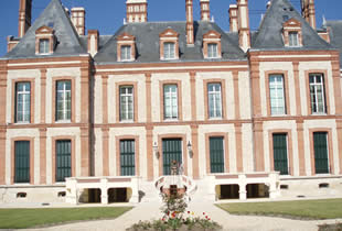 Chateau-Hulay-Grez-sur-Loing